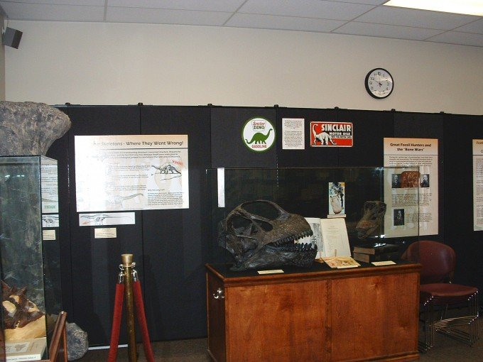 Use a Screenflex Portable Wall to Create the Perfect Display Area for a Museum Exhibit