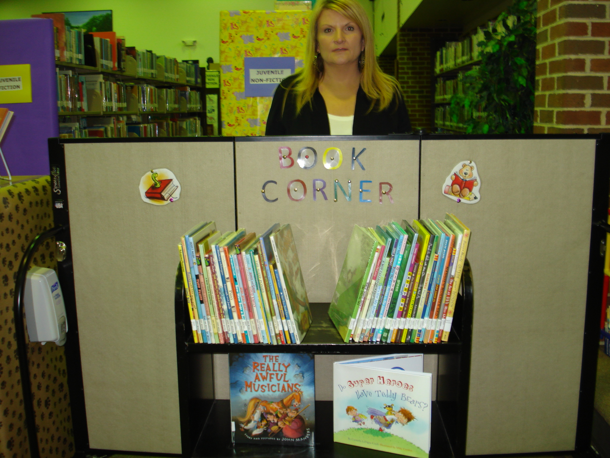Ideas for your classroom screenflex portable walls for How to make a reading corner in your room