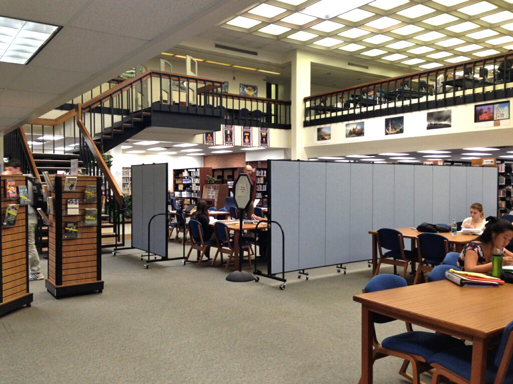 Collaborative learning areas in a high school library