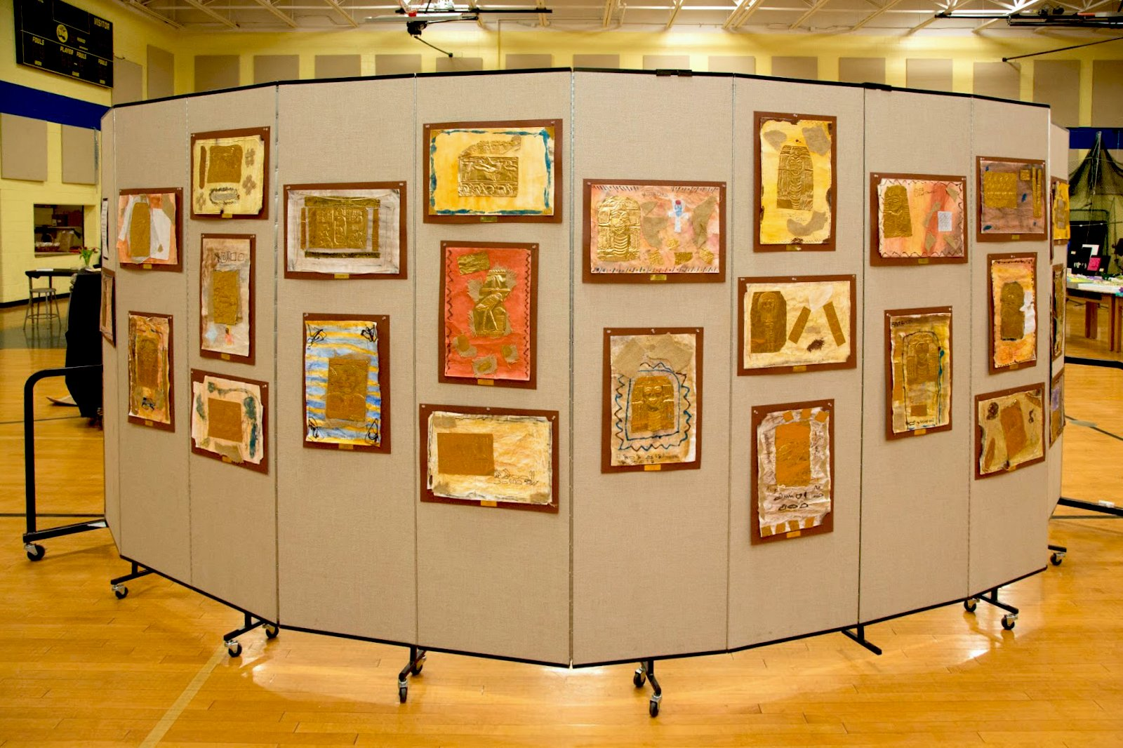 Portable Art Exhibition Stands : Creative ways to display student artwork screenflex