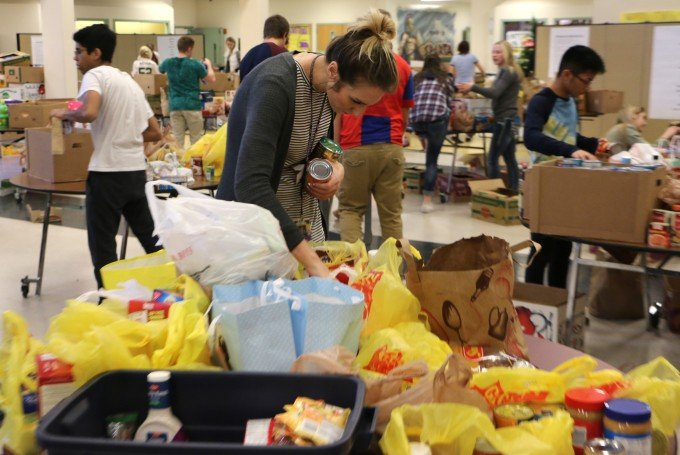 Sumner High School Food Pantry Distribution