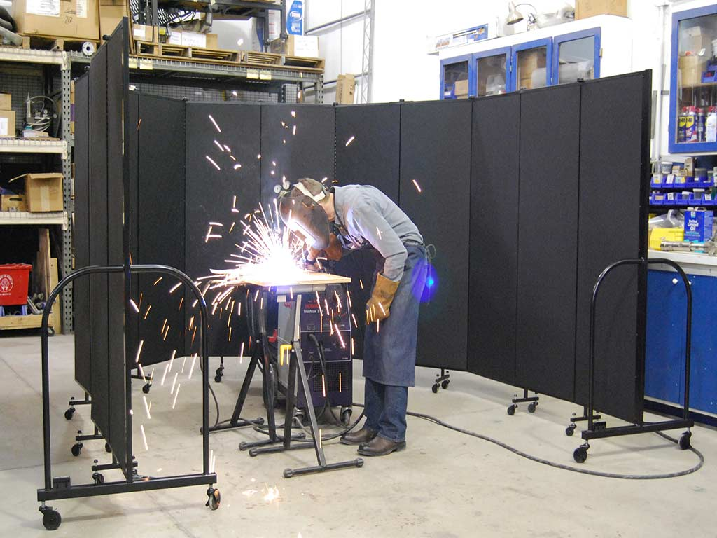 Portable Welding Screens Fire Resistant Material