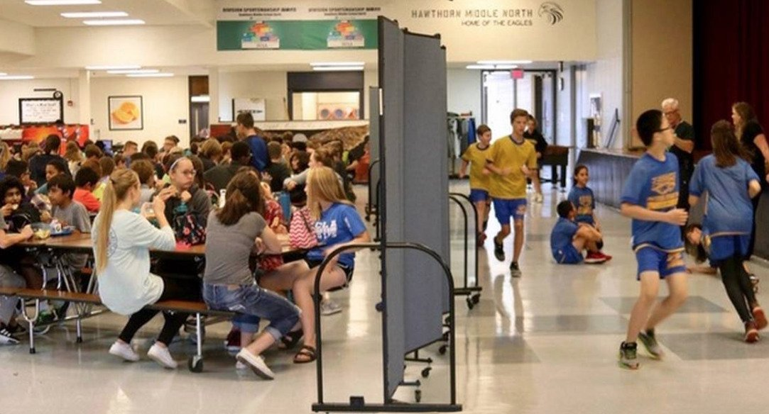 Over crowded school finds relief with Screenflex partitions