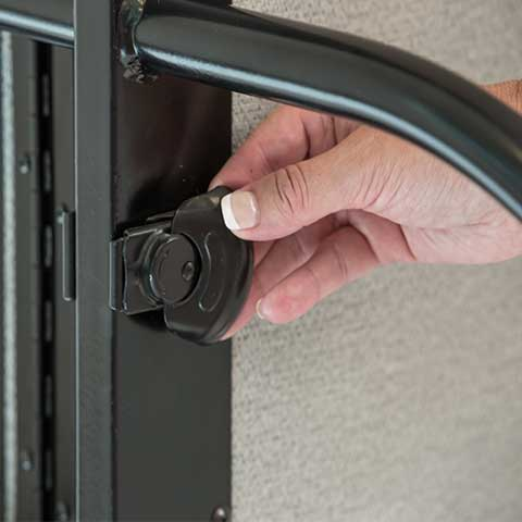 Easy to use multi unit connect locks panels in place