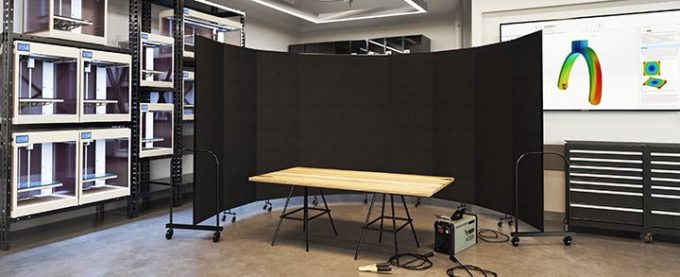 safety dividers-welding screens surrounding a workspace