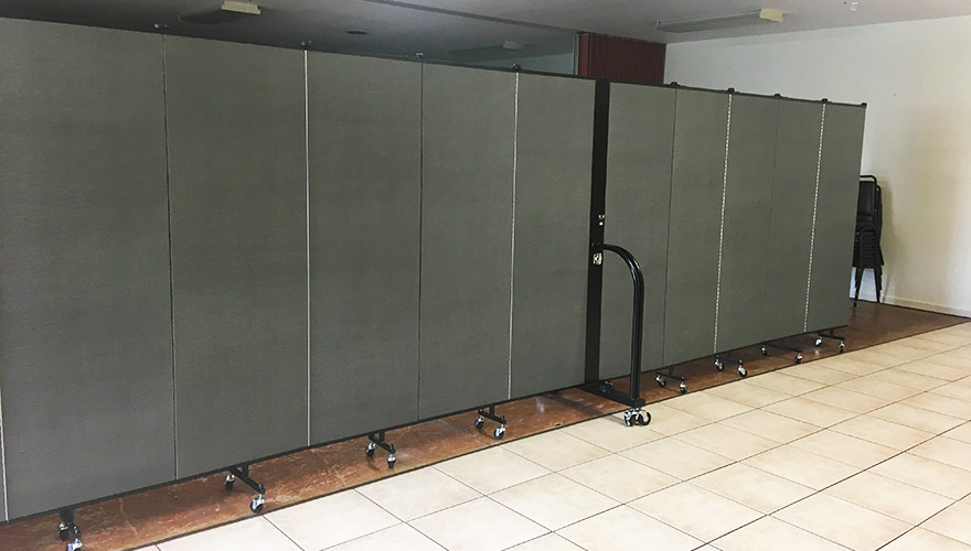 directing foot traffic with Screenflex Dividers